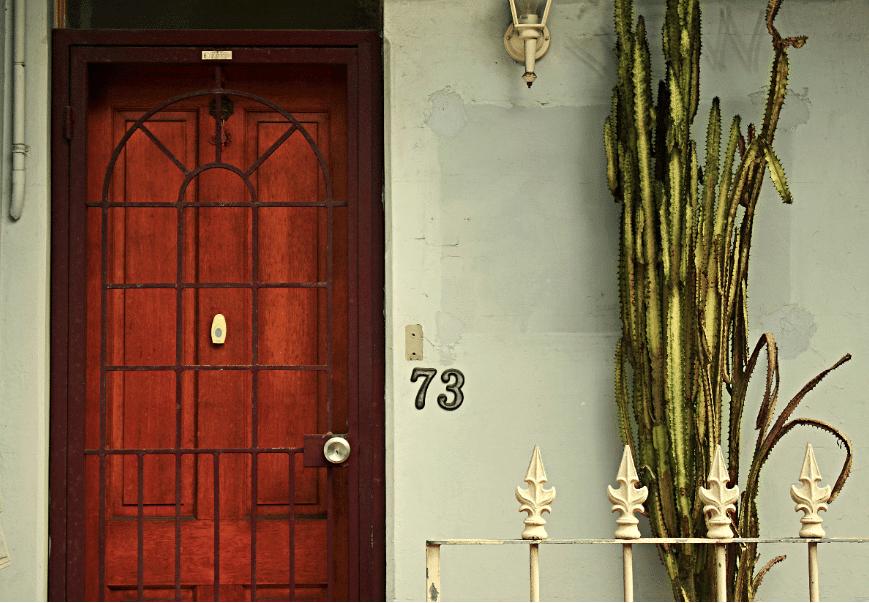 Porte d'entrée isolante