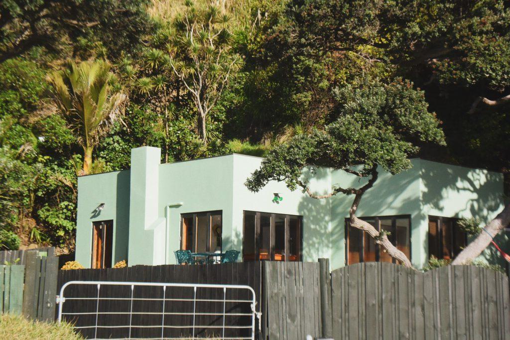 installer clôture devant une maison